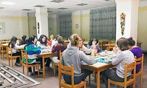 Cenando en la residencia universitaria de Vitoria Inmaculada