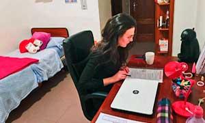 Dormitorio para estudiantes de la residencia universitaria de Vitoria Inmaculada