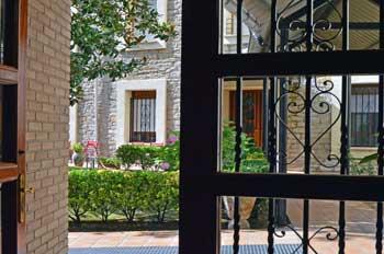 jardines de la residencia Inmaculada de Vitoria